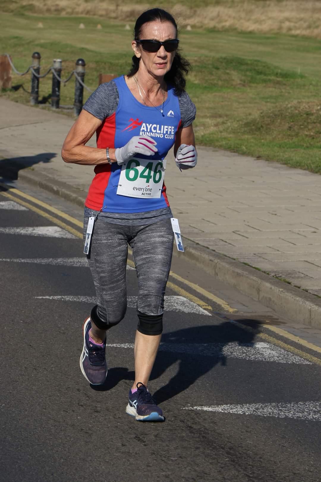 Susan CLARK runs the Zetland 10K